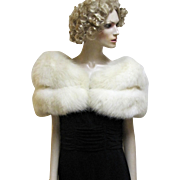Luxurious Vintage White Arctic Fox Fur Stole Wrap.