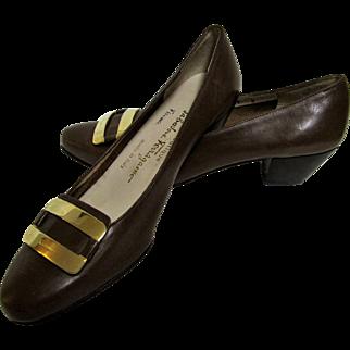 Salvatore Ferragamo Boutique Taupe Shoes Italy Size 7B.