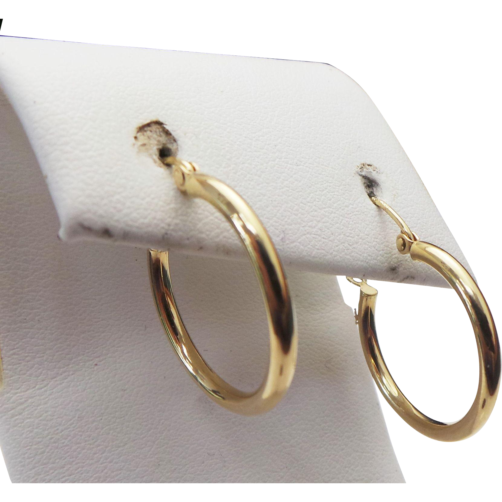 14k yellow gold medium hoop earrings from