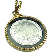 CROWN 1/10 Troy Ounce Platinum (Isle of Man) Pendant