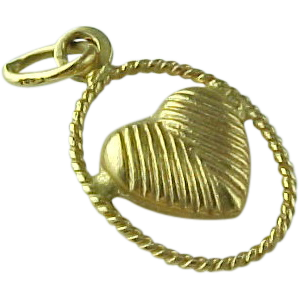 Vintage Textured 14 K Yellow Gold Heart Pendant