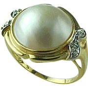 Vintage 14 K Yellow Gold Retro Mabe Pearl And Diamond Ring