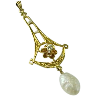 Victorian 18K Yellow Gold Diamond And Pearl  Lavaliere