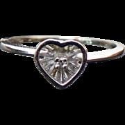10K White Gold Pretty Diamond Heart Ring