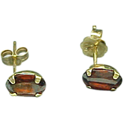 14k Gold 1.00 Carat Oval Garnet Pierced Stud Earrings
