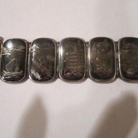 Vintage Japanese Komai Shakudo Damascene Bracelet inlaid with silver