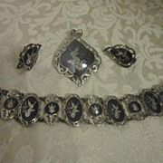 Vintage Siam Niello Bracelet Pendant and Screw back Earrings
