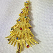 "Vintage Christmas Tree Pin Goldtone Signed ""JJ"""