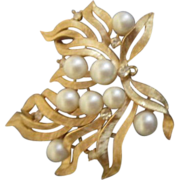 Trifari Goldtone Pearl and Rhinestone Brooch/Pendant