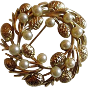 Trifari Round Brooch/Pin Wreath with Faux Pearls and Goldtone Pine Cones