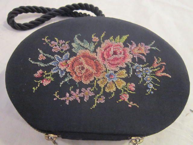 Vintage Black Embroidery Zipper Purse