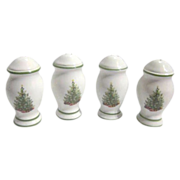 2 Sets Christmas Tree on White Background S&P Shakers