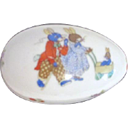 Lefton Porcelain Two-Part Egg with Scene of Rabbit Family Strolling