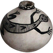 Indian Pot with Painted Lizard Grey and Black
