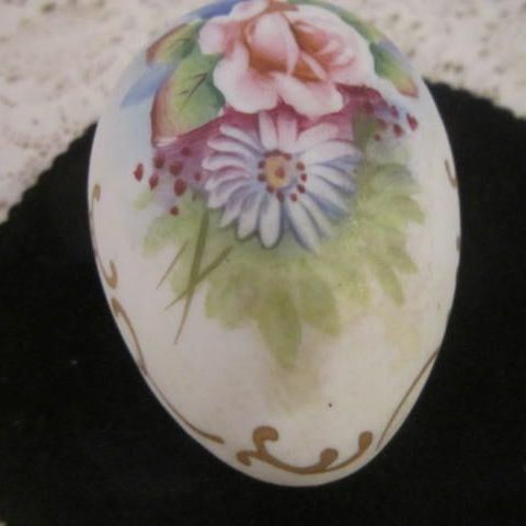 Vintage Porcelain Hand Painted Egg/Box with Bisque Finish, Rose & Daisy