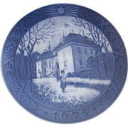 Royal Copenhagen Porcelain Blue Plate Queen's Christmas Residence