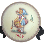 Hummel Annual Plate 1984 in Bas-relief Girl with Apple Basket