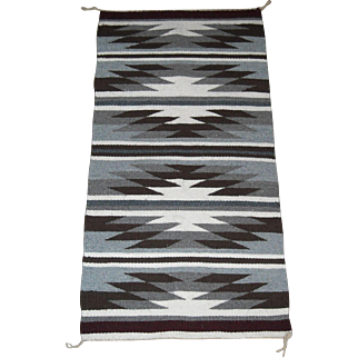 Beautiful Chinle Navajo Wool Rug