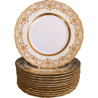 "Set 12 Royal Doulton Gold Encrusted Luncheon Plates 9"" 1902-22"