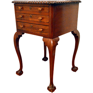Antique Philadelphia Chippendale Style Side Table