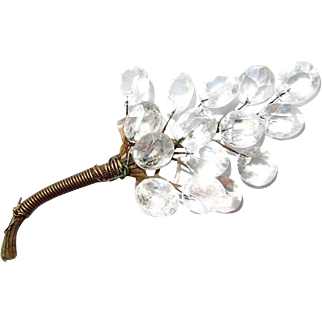 Facet Clear Lucite Cluster Brooch Vintage Hat or Clothing Adornment