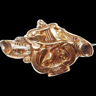 Rolled Gold Lyre Harp Victorian/Albert Collar Pin