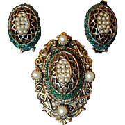 Har Pin Earring Set Basket Weave with Pearl Green Stone Mix