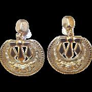 Victorian Motif Gold-tone Srew-back Drop Earrings