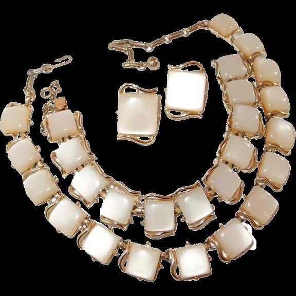Coro Thermoset Parure Set Of 3 Necklace Bracelet Earrings