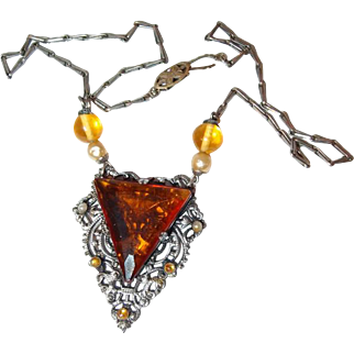 Early 20th Century Art Deco Filigree Necklace with Gold Facet Crystal and Glass Pearls
