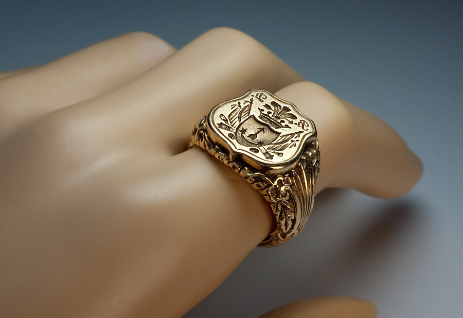 Antique Signet Armorial Seal Men's Ring c. 1840 from ...