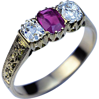 Antique Victorian Three Stone Ruby Diamond Carved Gold Ring
