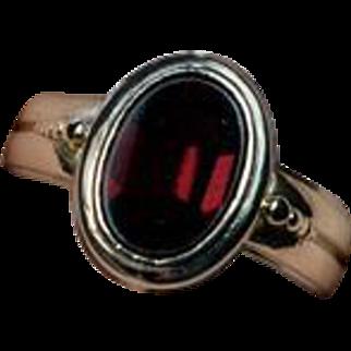 Stylish Antique Flat-Top Red Garnet Gold UNISEX Ring