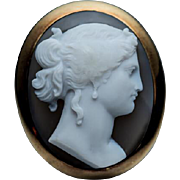 Antique Victorian Carved High Relief Agate Cameo 18K Gold French Brooch Pin - 19th Century Jewelry
