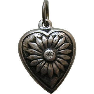 """Vintage Daisy """"Rena"""" Sterling Heart Charm"""