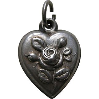 """Antique Rose """"Papa"""" Sterling Heart Charm"""