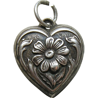 Vintage Daisy Sterling Heart Charm