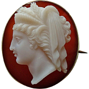 Fine Antique Victorian 18k Gold Hardstone Agate Cameo Brooch of Goddess Demeter / Ceres