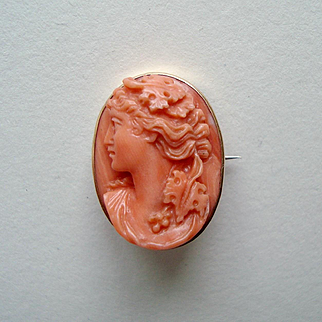 Antique Victorian Carved Coral Bacchante Cameo 15k Gold Brooch