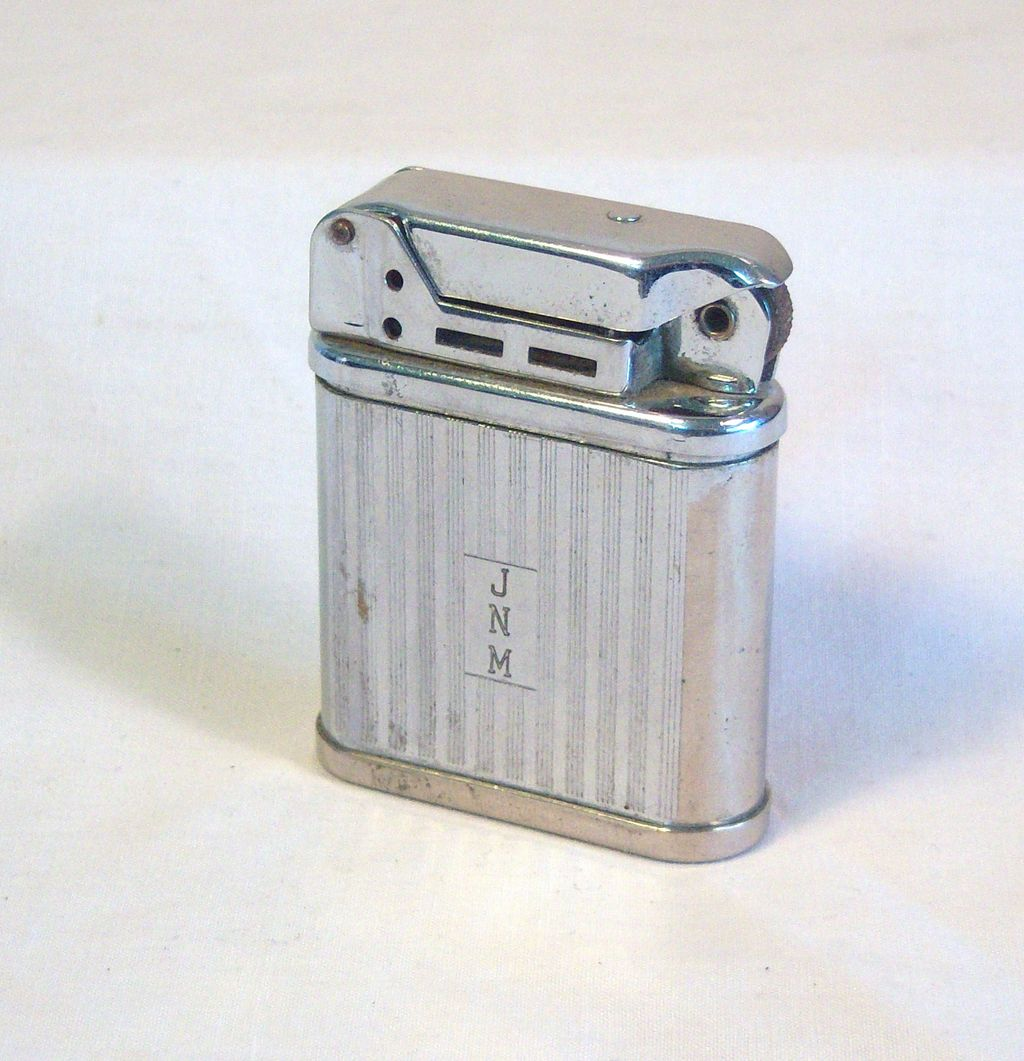 Vintage BEATTIE Pocket Lighter in Chrome Plate 1950's