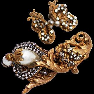 Lustrous Miriam Haskell Glass Baroque Pearl Brooch & Earrings