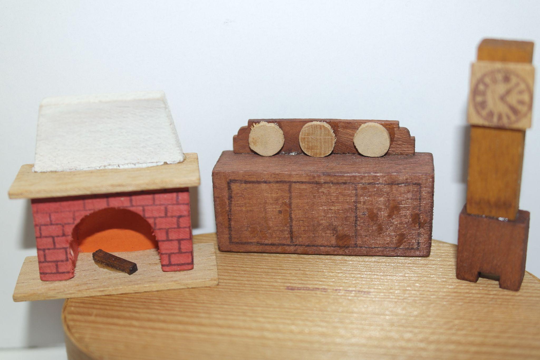german putz snow white and the seven dwarfs miniature. Black Bedroom Furniture Sets. Home Design Ideas