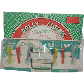 1960's MIP Dolly Clothes Pins and  Line Set