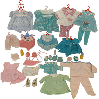 1960's Mattel Tiny Chatty Baby Wardrobe