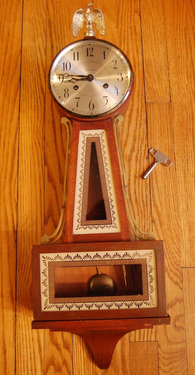 Seth Thomas 'Brookfield ' model Banjo Clock circa 1940 8 day