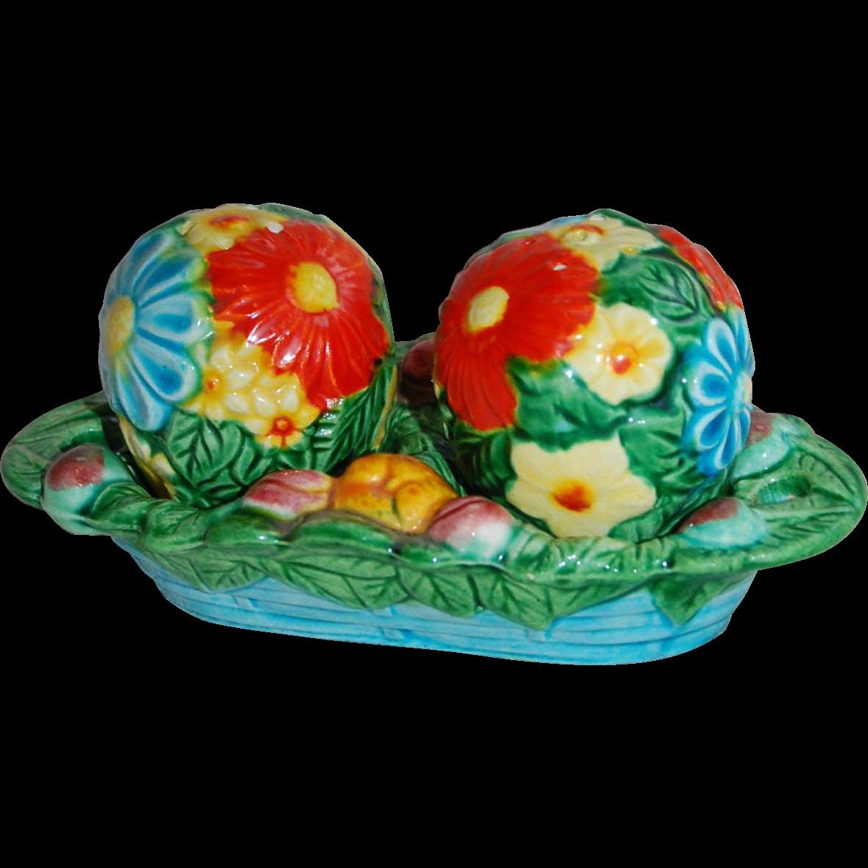 Bright Colored Flower Balls Japan Salt & Pepper Shakers from starrhillant