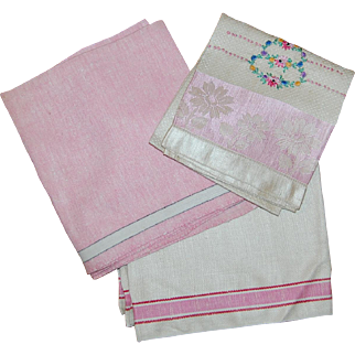 3 Pretty in Pinks Vintage Linen Towels
