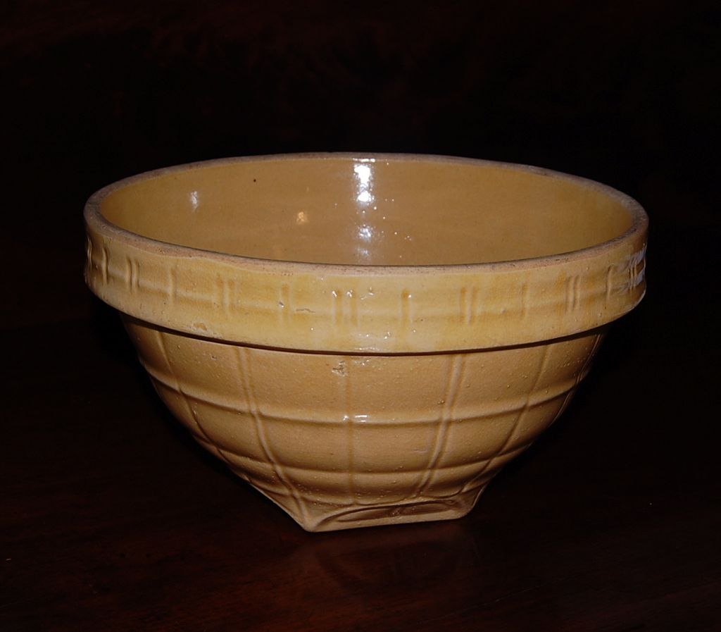 Yellow Ware McCoy #9 Bowl in Yellow Windowpane
