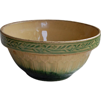 Vintage Mixing Bowl Yelloware with Green
