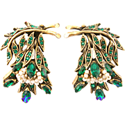 29826a - Vintage HOLLYCRAFT 1956 Green Color Stones Wired Seed Pearls Earrings